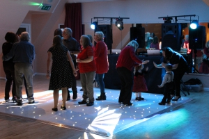 Mobile Dj & Starlit Dance Floor